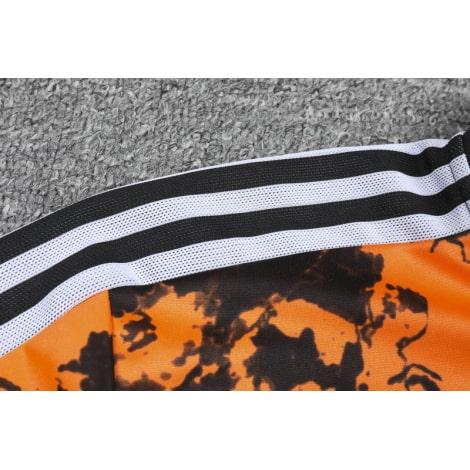 Леопардовый тренировочный костюм Ювентуса 2021-2022 плечо