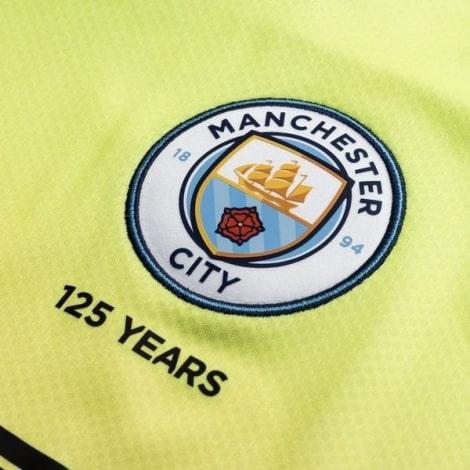 Третья майка Манчестер Сити с длинными рукавами 2019-2020 герб клуба