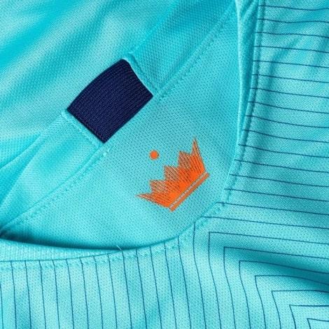 Гостевая футболка сборной Голландии сезона 2018-2019 воротник