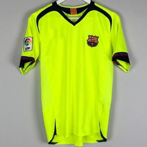 Гостевая ретро футболка Барселоны 2005-2006
