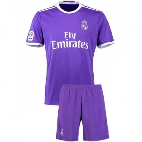 Гостевая футбольная форма Реал Мадрид 2016-2017 футболка и шорты