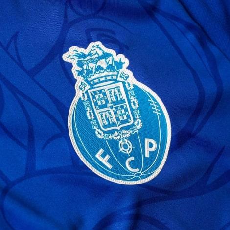 Третья игровая футболка Порту 2018-2019 герб клуба