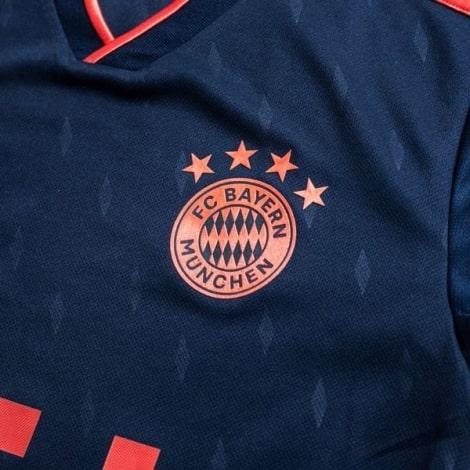 Детская третья футбольная форма Баварии 2019-2020 футболка герб клуба