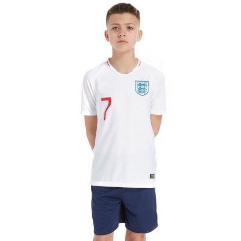 Детская домашняя форма Англии на ЧМ 2018 Рахим Стерлинг номер 7 вид спереди