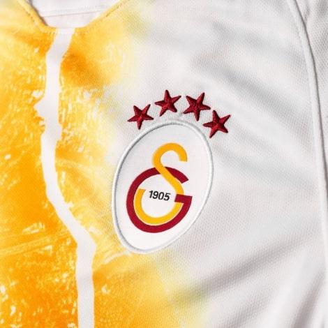 Третья игровая футболка Галатасарай 2018-2019 герб клуба