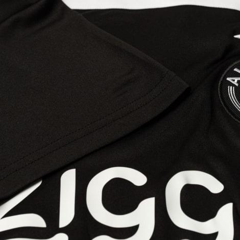 Комплект взрослой гостевой формы АЯКС 2018-2019 футболка рукав вблизи