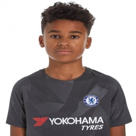 Детская третья футболка Челси 2017-2018 вблизи