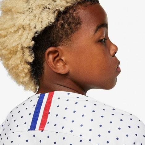 Детская гостевая футбольная форма Франции на Евро 2020 воротник сзади