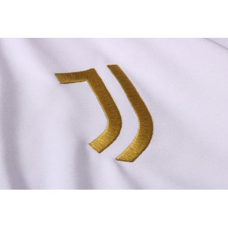 Черно-белый спортивный костюм Ювентуса 2021-2022 герб клуба