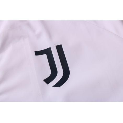 Бело-синий спортивный костюм Ювентуса 2021-2022 герб клуба