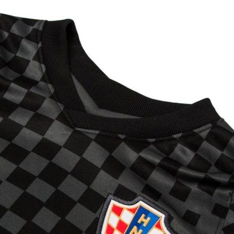 Гостевая футбольная форма Хорватии на ЕВРО 2020-21 футболка воротник