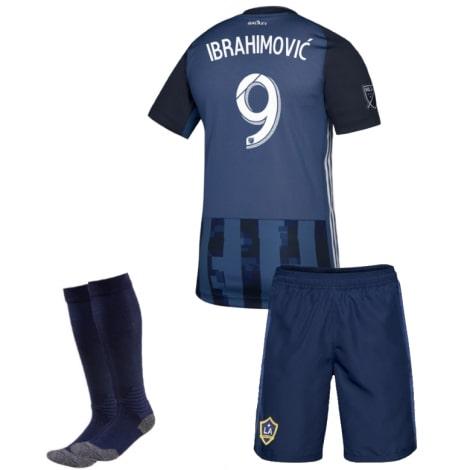 Детская гостевая футбольная форма Ибрагимович 19-20 футболка шорты и гетры