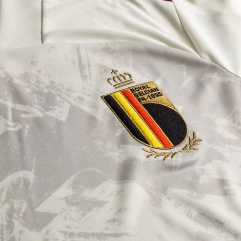 Гостевая футболка сборной Бельгии на ЕВРО 2020-21 герб сборной