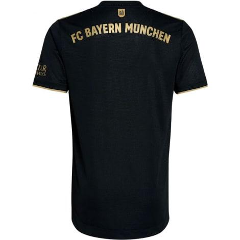 Комплект взрослой гостевой формы Баварии 2021-2022 футболка сзади