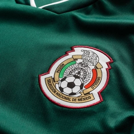 Домашняя футболка сборной Мексики на чемпионат мира 2018 логотип