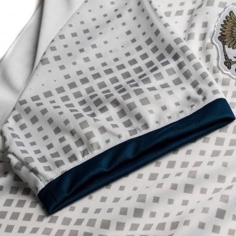Детский комплект гостевой формы России на ЧМ 2018 футболка вблизи