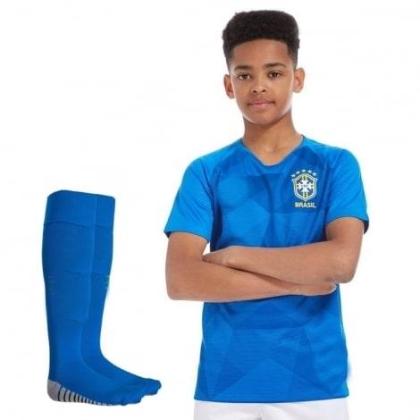 Комплект детской футбольной формы Бразилии на ЧМ 2018 футболка шорты и гетры