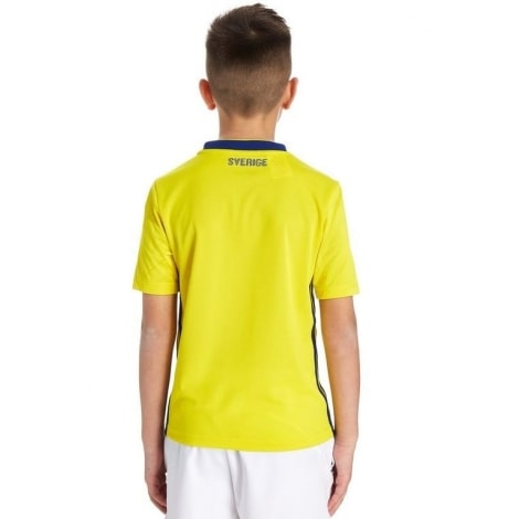 Детская домашняя футбольная форма Швеции на ЧМ 2018 футболка и шорты сзади