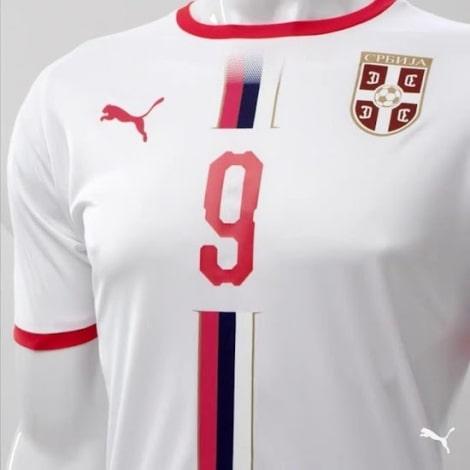 Гостевая футболка сборной Сербии на чемпионат мира 2018 вблизи