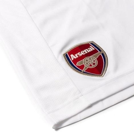Детская домашняя футбольная форма Арсенал 2018-2019 герб на шортах