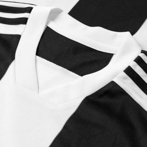 Домашняя игровая футболка Ювентуса 2018-2019 Роналду номер 7