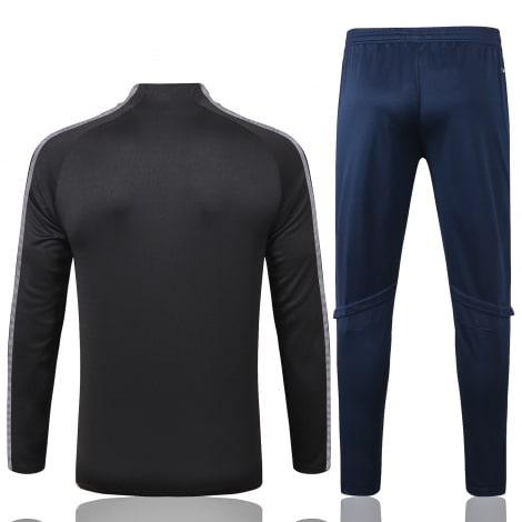Черно-синий спортивный костюм Ювентуса 2021-2022 сзади