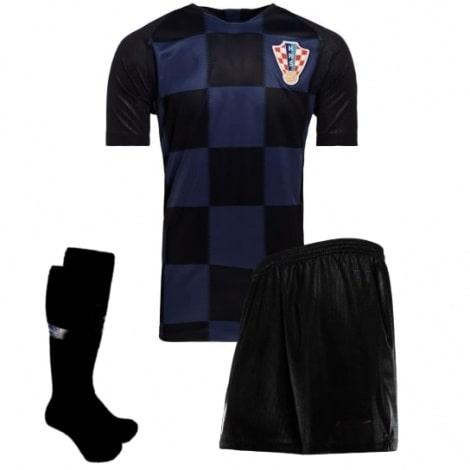 Гостевой комплект детской формы Хорватии на ЧМ 2018 футболка шорты и гетры
