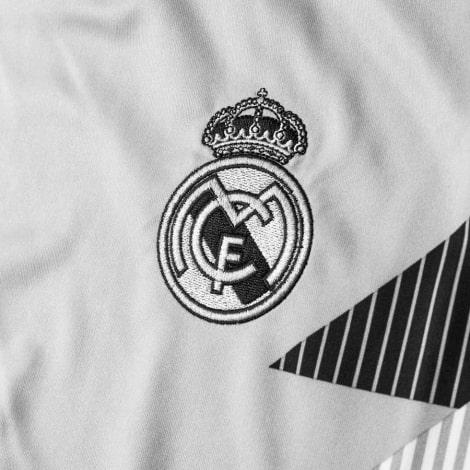 Тренировочная футболка Реал Мадрид 2018-2019 герб клуба