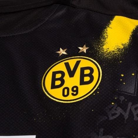 Гостевая игровая футболка Боруссии Дортмунд 2020-2021 Холанн герб клуба