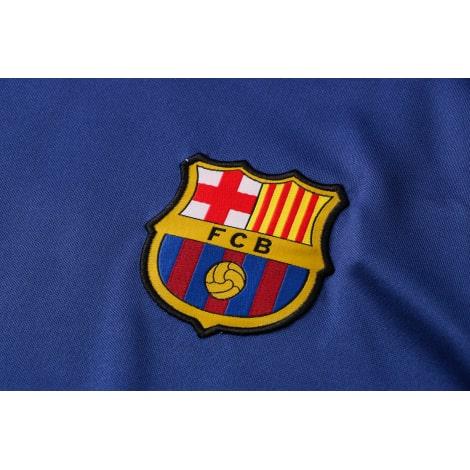 Синяя тренировочная форма Барселоны 2021-2022 герб клуба