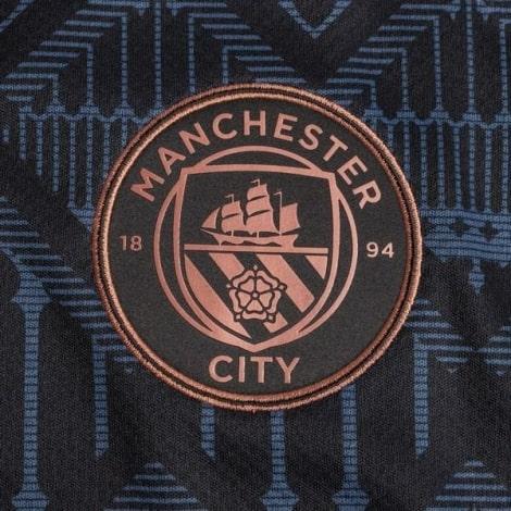 Гостевая игровая футболка Манчестер Юнайтед 2017-2018 воротник