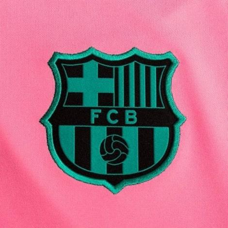 Третья игровая футболка Барселоны 2020-2021 герб клуба