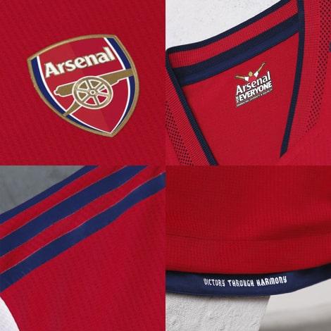 Домашняя аутентичная футболка Арсенала 2021-2022 логотипы