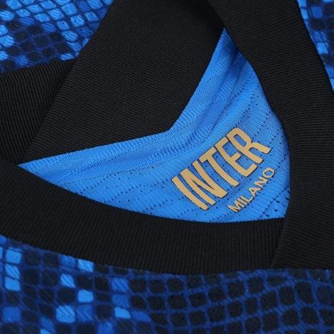 Домашняя игровая футболка Интера 2021-2022 воротник