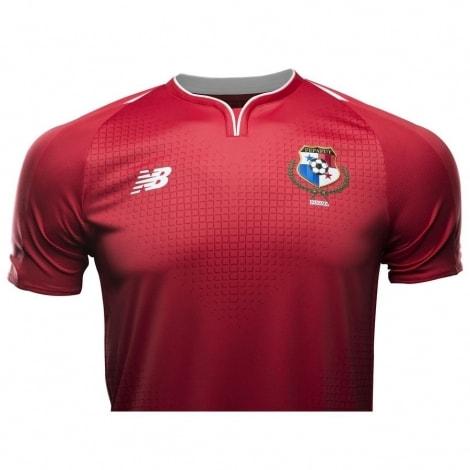 Домашняя футболка сборной Панамы на чемпионат мира 2018 вблизи спереди