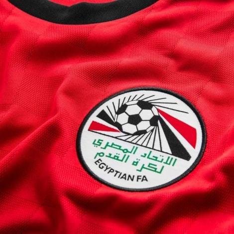 Домашняя футболка Египта на чемпионат мира 2018 герб сборной