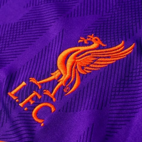 Гостевая игровая футболка Ливерпуля 2018-2019 герб клуба