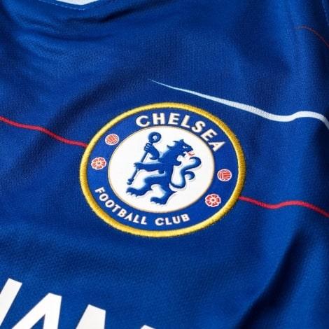 Домашняя игровая футболка Челси 2018-2019 герб клуба