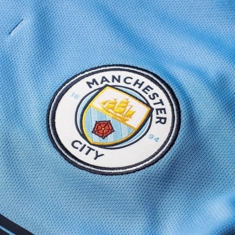 Женская домашняя футболка Манчесетр Сити 2018-2019 герб клуба