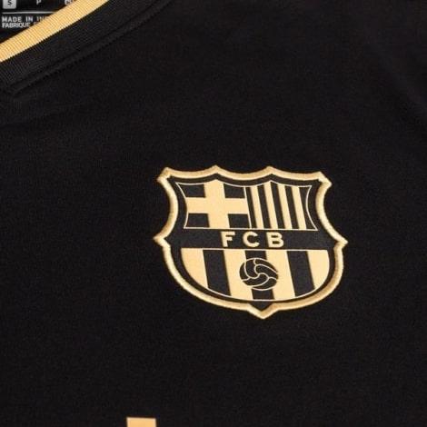 Гостевая футболка Барселоны 2020-2021 Лионель Месси герб клуба