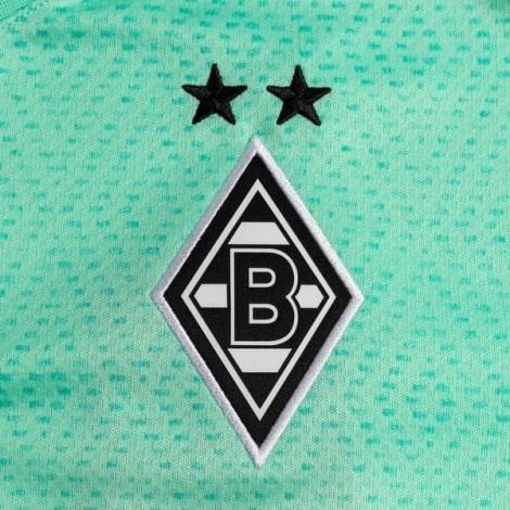 Третья игровая футболка Боруссии Менхенгладбах 2020-2021 герб клуба