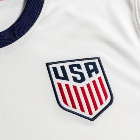 Домашняя футболка Соединенных Штатов Америки 2020-2021 герб сборной