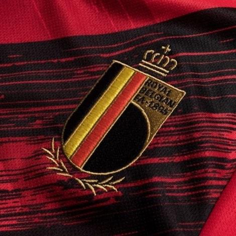Женская домашняя футболка сборной Бельгии на ЕВРО 2020 герб сборной