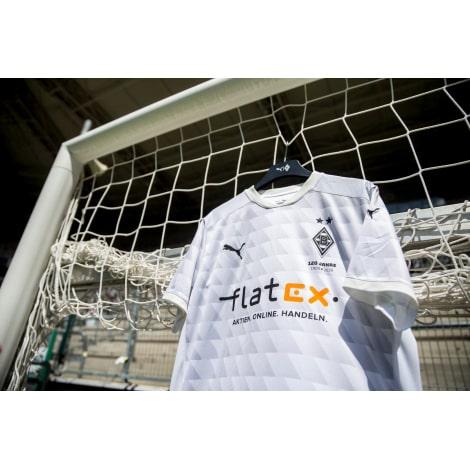 Домашняя игровая футболка Боруссии Менх. 2020-2021 вблизи