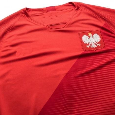 Красная выездная форма сборной Польши на чемпионат мира 2018