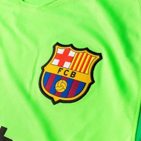 Вратарская домашняя футболка Барселоны 2018-2019 герб клуба