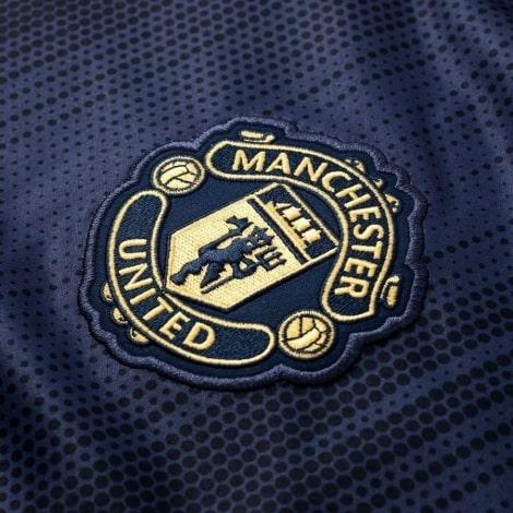Взрослая третья футболка Манчестер Юнайтед 2018-2019 герб клуба