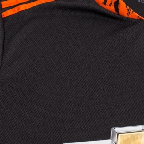 Вратарская домашняя футболка Манчестер Юнайтед 2020-2021 вблизи