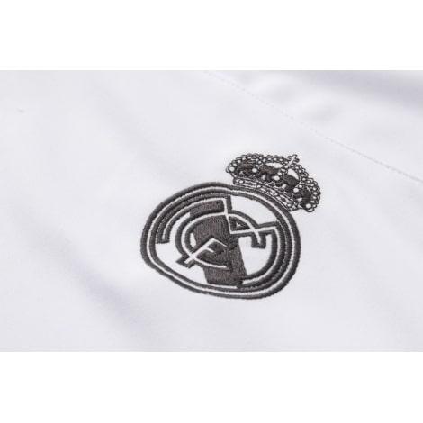 Взрослый бело-черный костюм Реал Мадрид 18-19 герб клуба