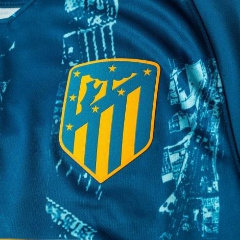 Третья футболка Диего Коста 2018-2019 герб клуба